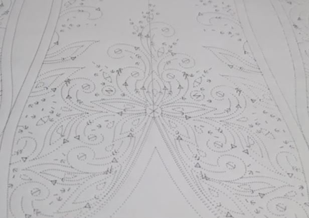 Wedding flower draft automatic pinhole pattern poking machine