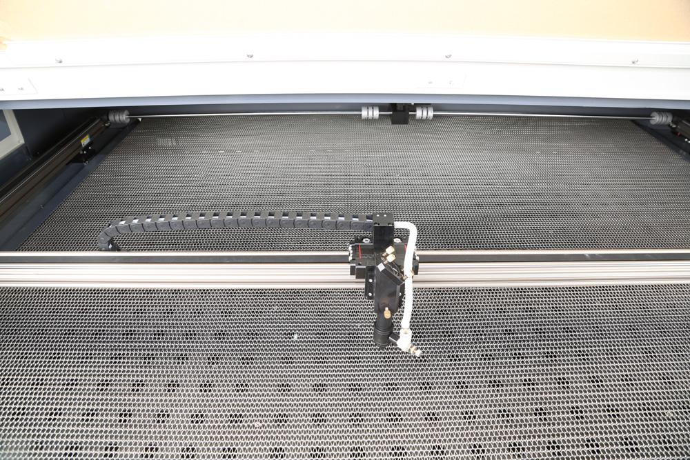 Auto feeding system.jpg