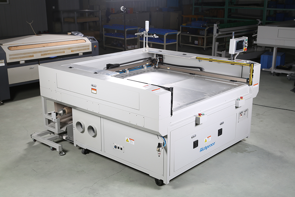 Laser cutting machine photo.jpg